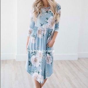 Reborn J Dusty Aqua Floral Print Dress Medium